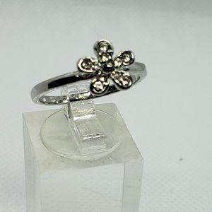 Silver cz flower ring s8